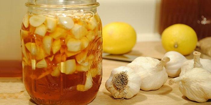 Настойка с чесноком и лимоном для чистки сосудов