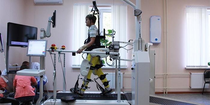 Двигательная терапия с помощью тренажера «Локомат»