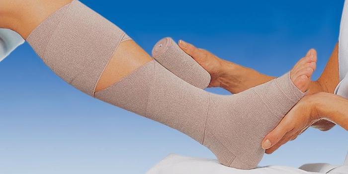 Перевязка ноги после операции