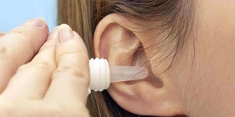 Закапывание ушного канала