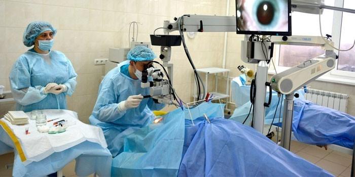 Хирургическое лечение дистрофии сетчатки глаза