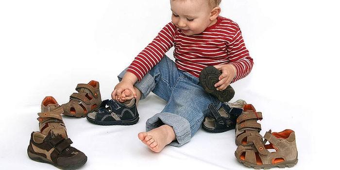 Ортопедическая обувь и ребенок