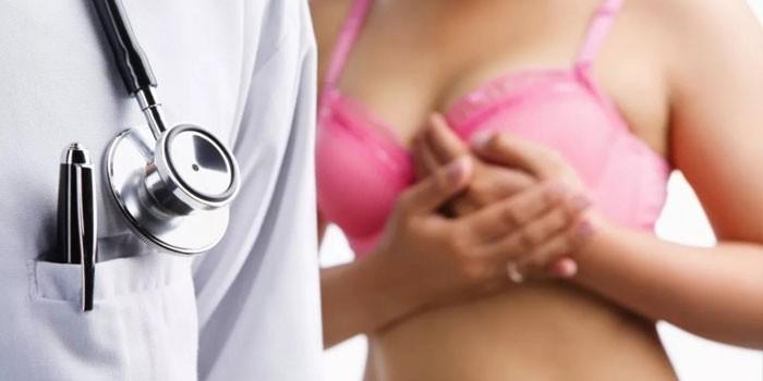 Девушка и медик
