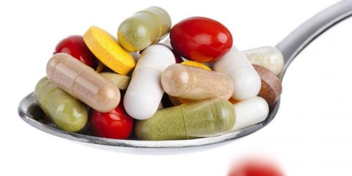 Медикаменты в ложке