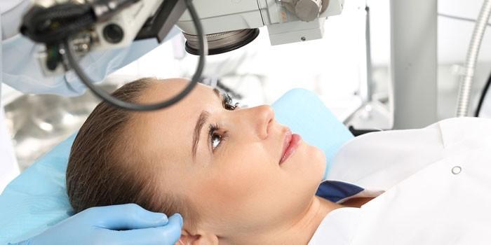 Девушка на операционном столе