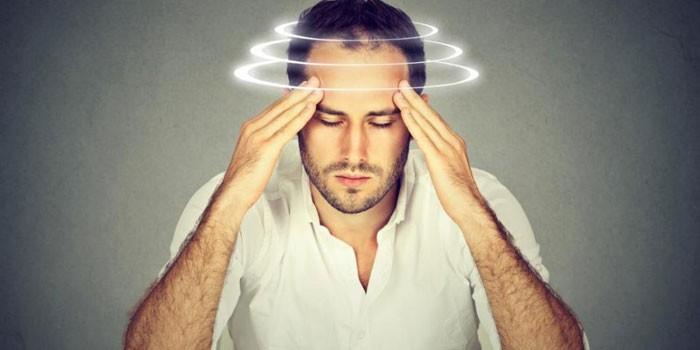 У человека головокружение