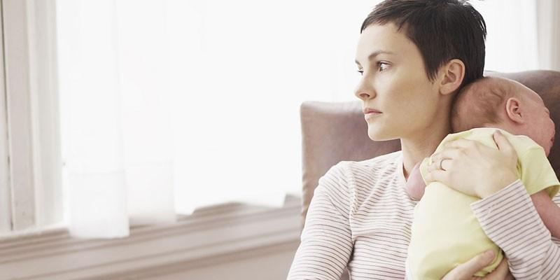 Послеродовая депрессия – причины, симптомы и лечение