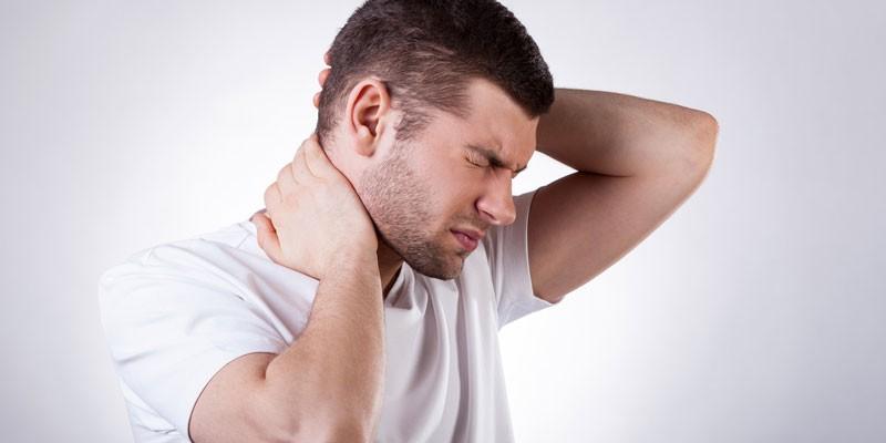 Боль в затылочной области у мужчины