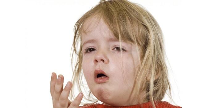 Девочка дышит ртом