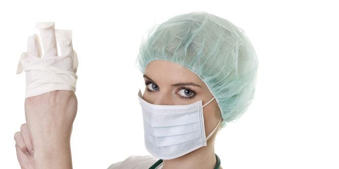 Медсестра перед обследованием