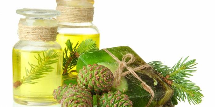 Пихтовое масло в бутылках, мыло и шишки