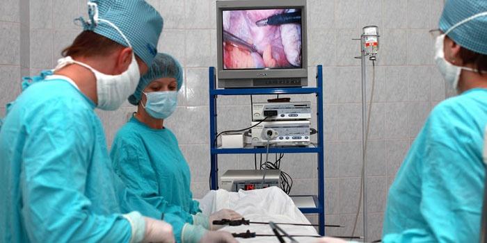 Врачи перед операцией