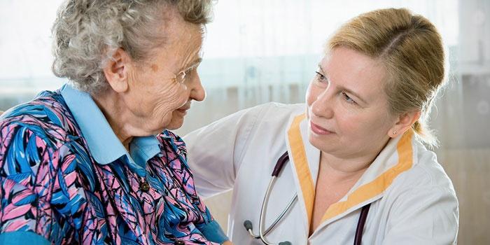 Первые признаки болезни Паркинсона у женщин, симптомы на ранней стадии