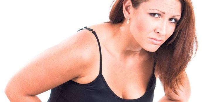 Сильные боли в нижней части живота у женщины