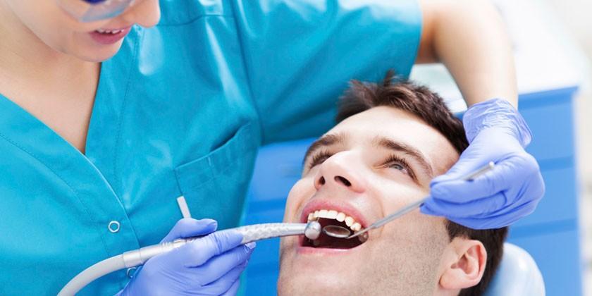 Лазерная чистка зубного камня
