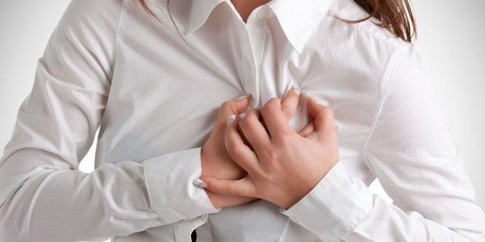 Боль в сердце у женщины