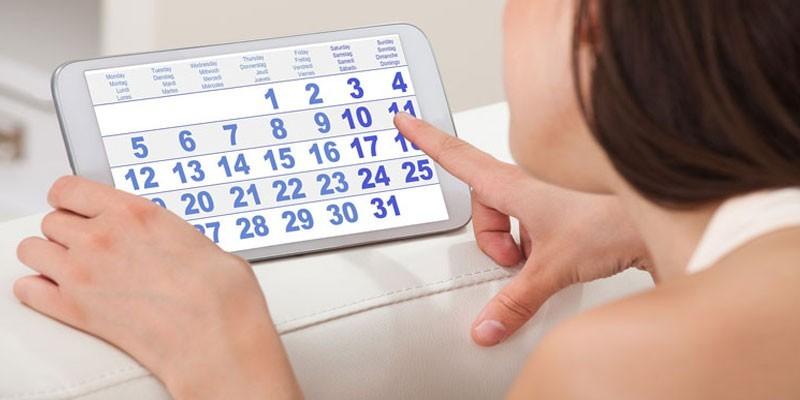 Календарь на экране смартфона