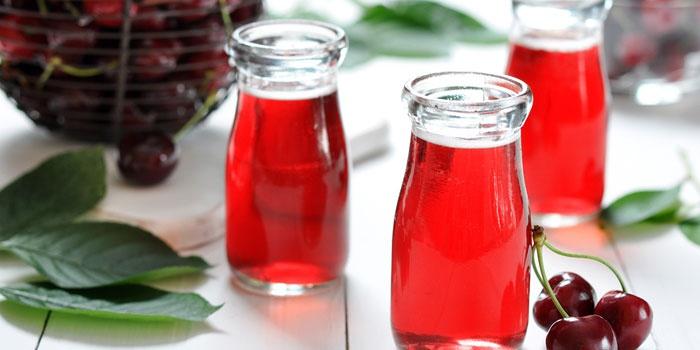 Свежий вишневый сок