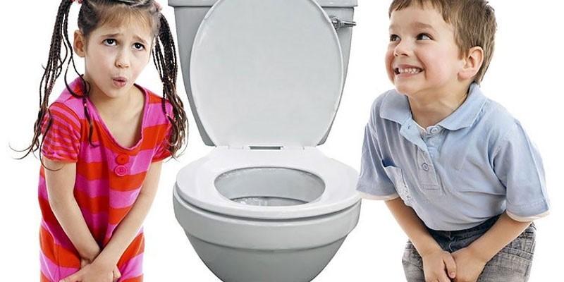 Дети и унитаз