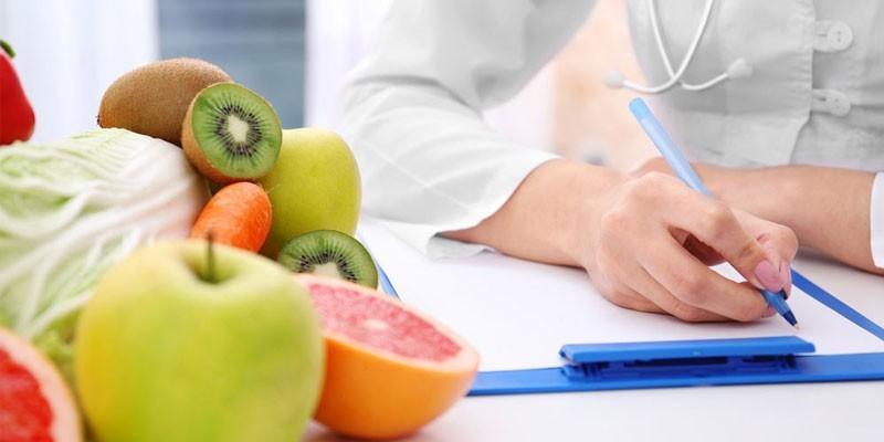 Диетолог, овощи и фрукты
