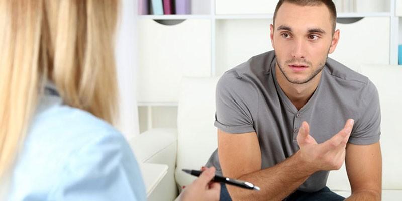 парень на приеме у врача