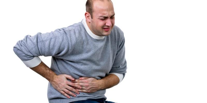У мужчины боль в боку