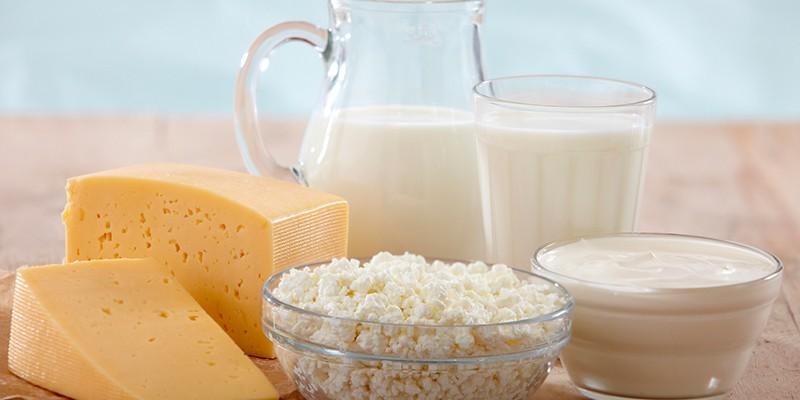 Употреблять кисломолочные продукты