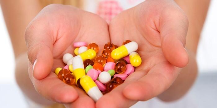 Лекарства в ладонях