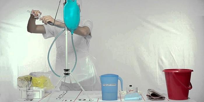 Подготовка очистительной клизмы