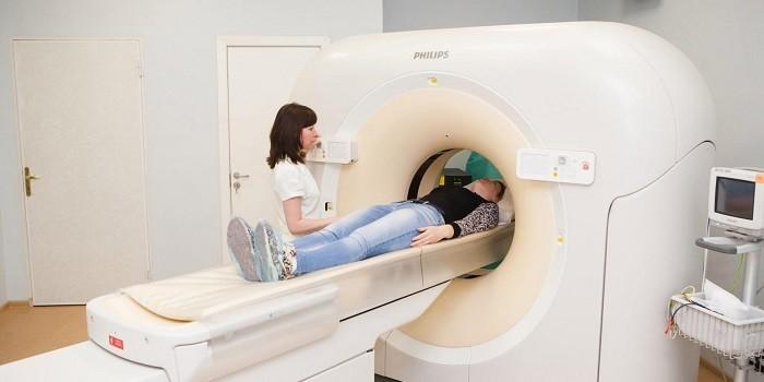 Пациент в аппарате КТ