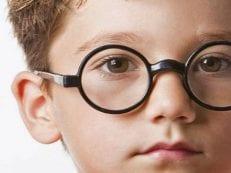 Астигматизм у детей — признаки болезни, коррекция зрения народными средствами, упражнениями и препаратами