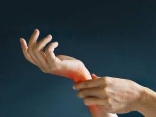 Причины и лечение боли в запястьях правой или левой руки