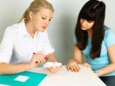Фолликулярная киста правого яичника — причины образования, лечение и профилактика осложнений