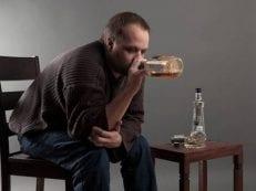 Хронический алкоголизм — признаки и факторы риска, кодирование