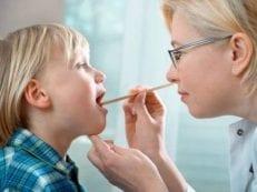 Лечение аденоидов у детей медикаментами, народными рецептами, промываниями и операцией