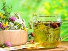 Народные средства при климаксе для лечения приливов и симптомов — рецепты отваров, чаев и настоек
