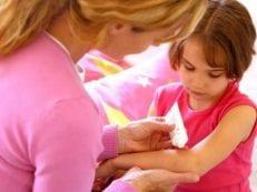 Обезболивающие мази для детей при ушибах и травмах — эффективные средства с описанием