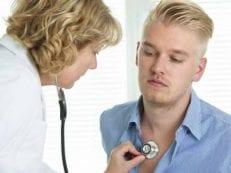 Острый обструктивный бронхит — симптомы у взрослого и ребенка, лечение болезни и профилактика
