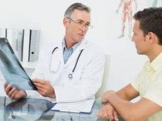 Отек легких у людей — причины возникновения, первые признаки и симптомы, неотложная помощь и лечение