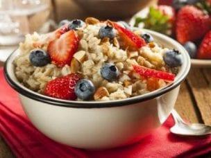 Питание при запорах у взрослых: послабляющие продукты и меню
