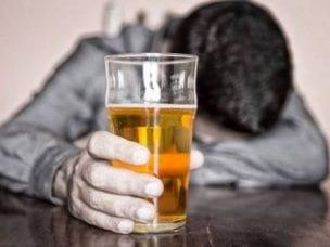 Пивной алкоголизм у мужчин и женщин - симптомы и методы лечения