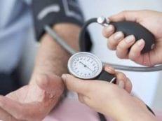 Пониженное давление и учащенный пульс – причины отклонений от нормы, сопуствующие симптомы