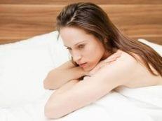 Причины задержки месячных при отрицательном тесте у женщин