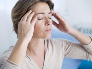 Признаки гипертонического криза у женщин, лечение болезни