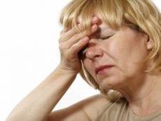 Признаки инсульта у женщин и первая помощь