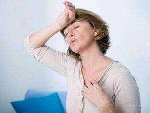 Симптомы инфаркта у женщин - специфические и неспецифические, предвестники и первая помощь