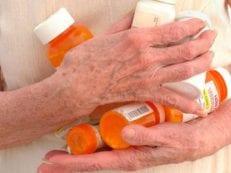 Средства от запора для пожилых — перечень лучших медикаментозных препаратов и рецепты народной медицины