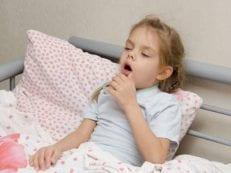 Влажный кашель у ребенка: лечение