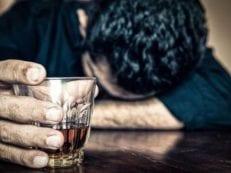 Вторая стадия алкоголизма — причины возникновения, детоксикация и терапия