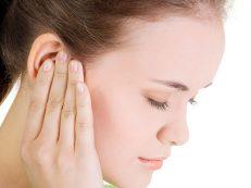 Шум в ушах: причины появления, его стадии и как лечить?